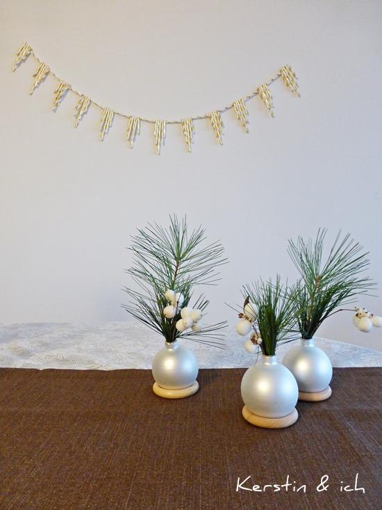 DIY Girlande aus Strohhalmen und Blumenvase aus Christbaumkugeln