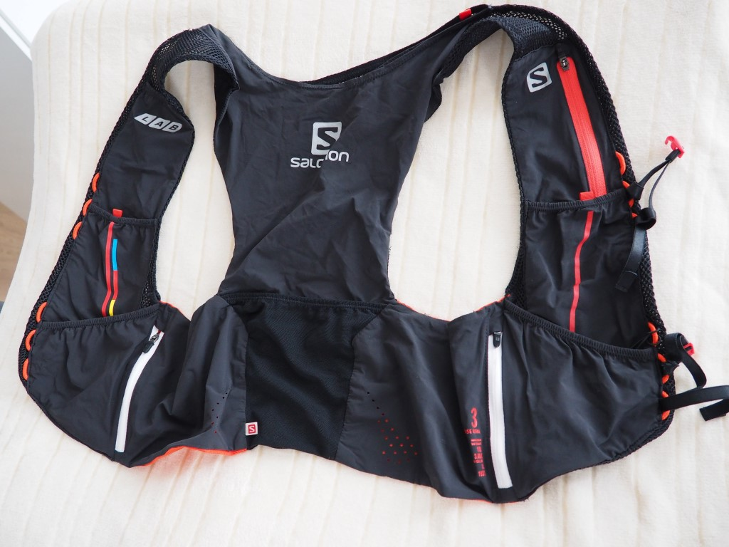 acd95683e6 Nejen) trailové běžecké vesty - Salomon