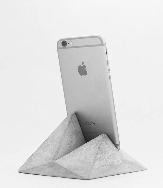 podkładka pod telefon z betonu