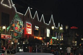Malioboro Mall Saat Malam Hari