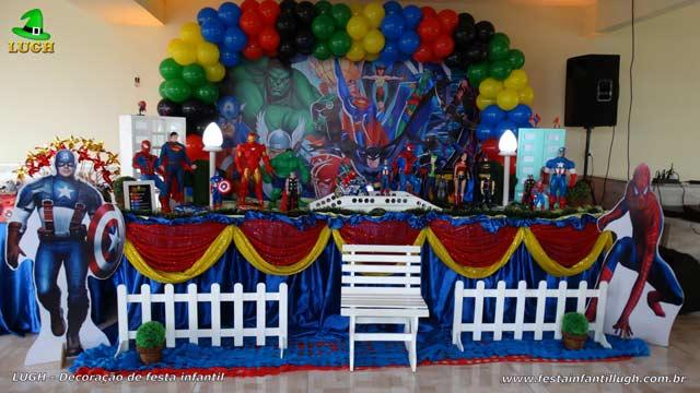 Decoração de mesa de aniversário Super Heróis tradicional luxo forrada com toalhas de tecido(pano)
