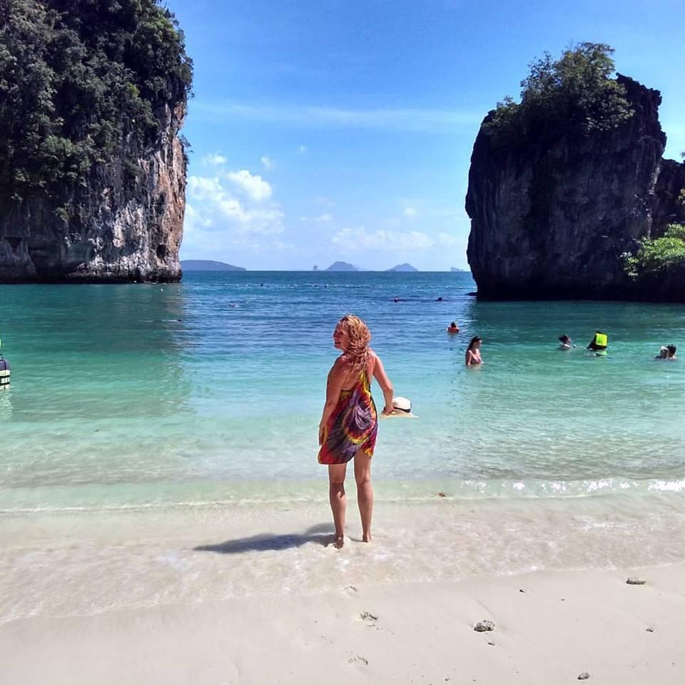 Praia numa ilha ao sul da Tailândia