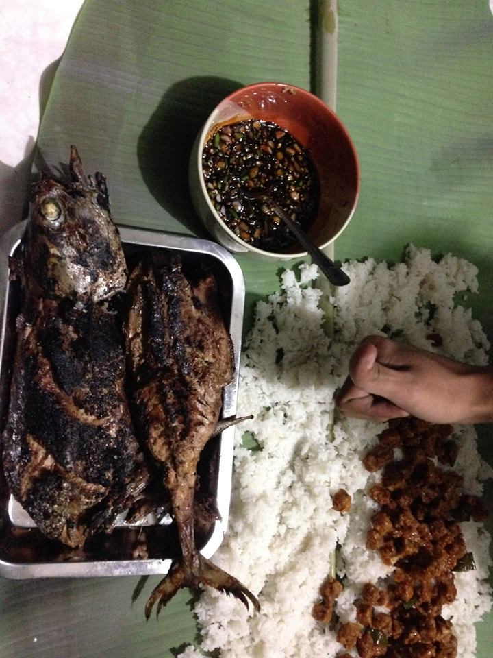 Bakar Ikan Tongkol Plus Nasi Liwet Sambal Kecap