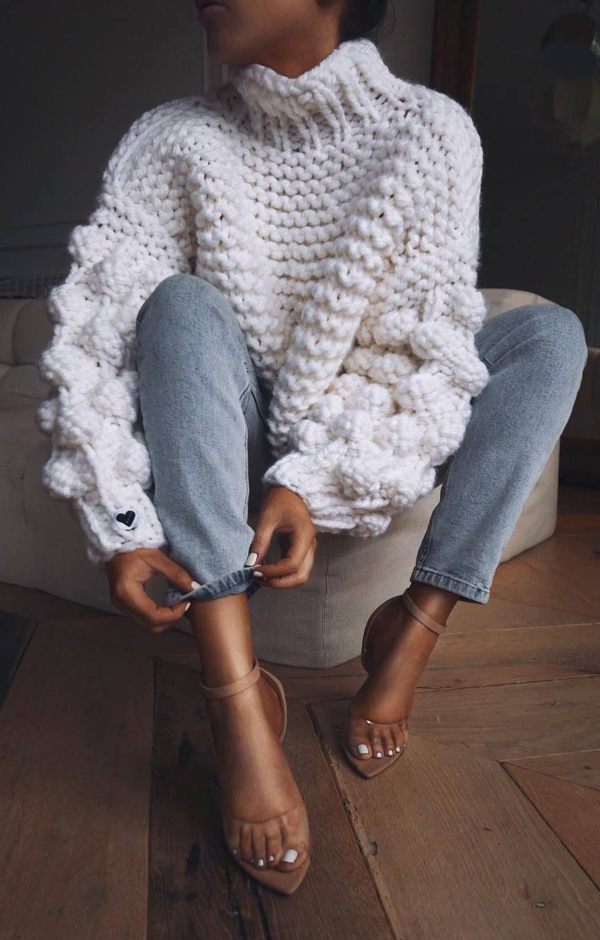 cool outfit idea / oversized knit sweater + jeans + heels