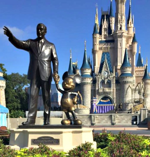 7 Tips for your First Disney Trip and Giveaway