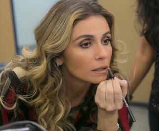 """... """"Giovanna Antonelli ensina como fazer a maquiagem de Atena"""""""