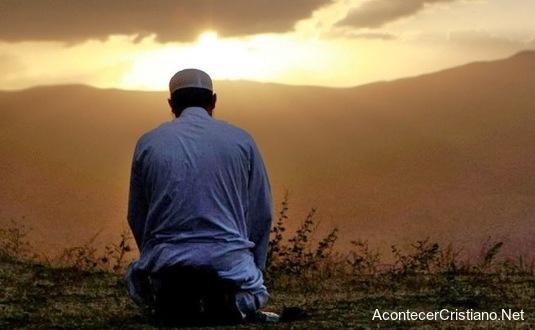 Musulmán acepta a Cristo