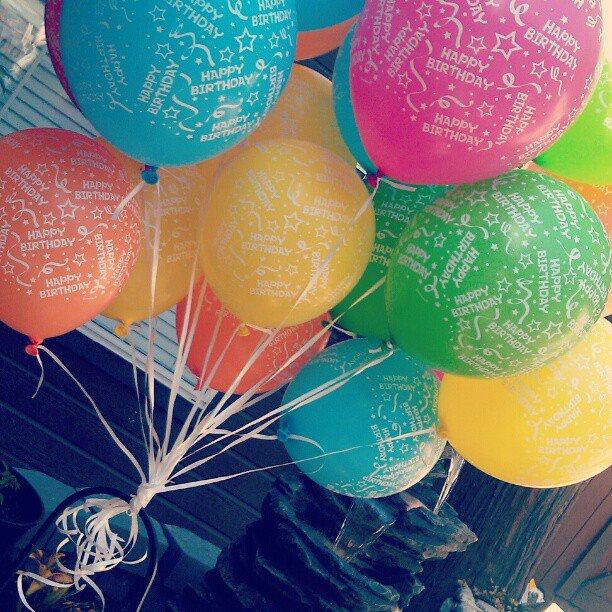 Sending Balloons To Heaven Zachs Friends Balloon Release In Memory Of Zach