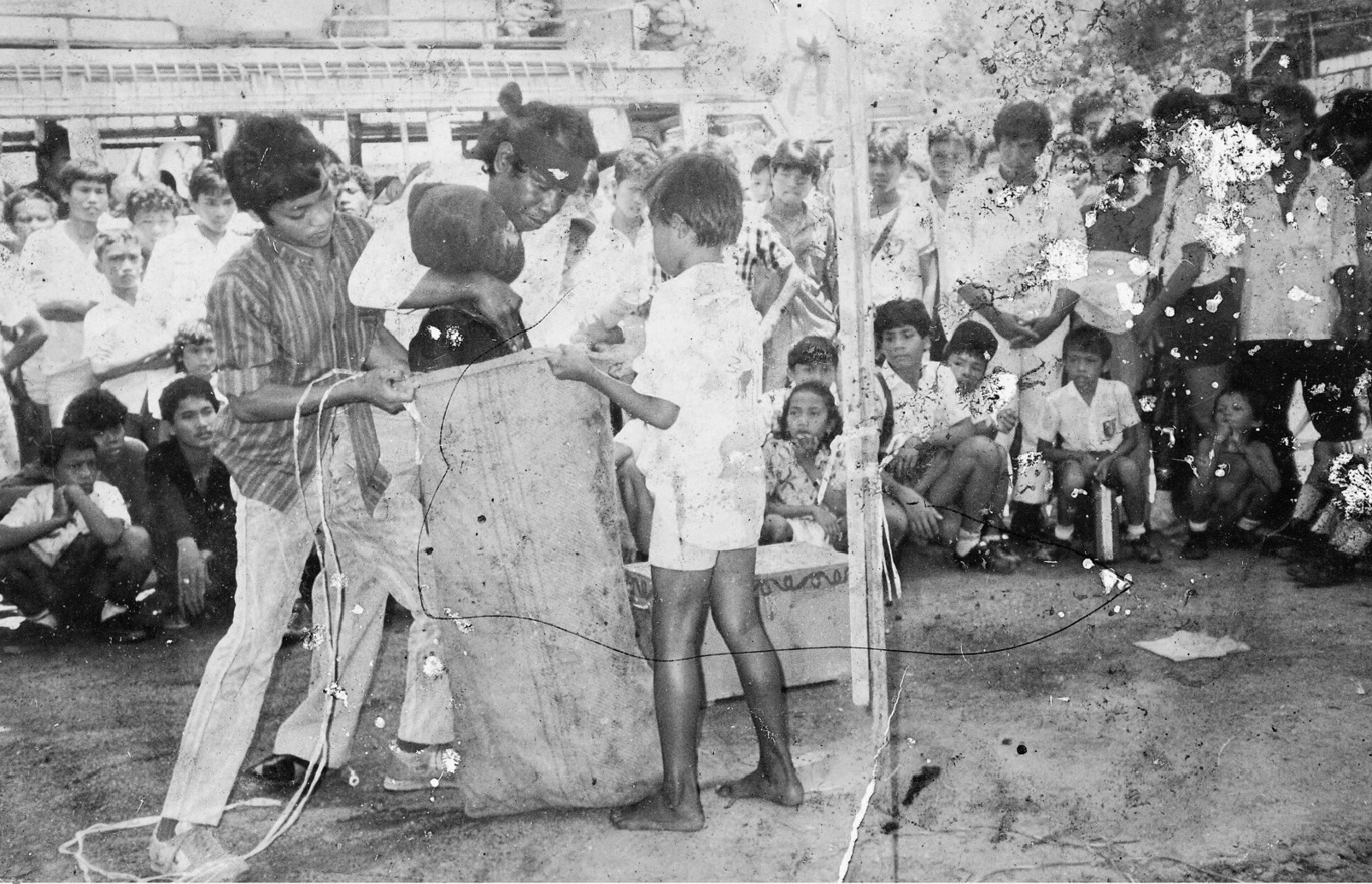 majalah LAKLAK foto Batak Toba zaman dulu Sibiobio Simbolon