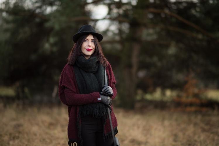 jesienna-stylizacja-z-kapeluszem