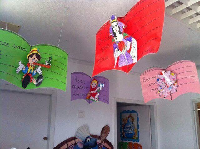 Ideas para decorar la biblioteca escolar material educativo for Puertas decoradas para el dia del libro