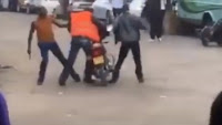 1 - DRAMA as trigger happy police officers confront a boda-boda rider in Nairobi's CBD and shoot in public (VIDEO)