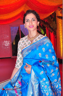 Actress Model Shilpa Reddy Exclusive Stills in Blue Saree at Vijay Karan Aashna Wedding  0007.JPG