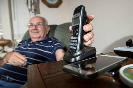 Com todas as vantagens que os telefones celulares apresentam, fica realmente difícil achar que as linhas fixas vão voltar a crescer em popularidade
