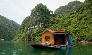 pueblo flotante de Hoa Cuong