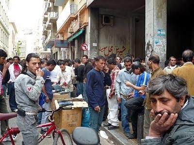 """WSJ: """"Η Ελλάδα βουλιάζει απο λαθρομετανάστες"""""""