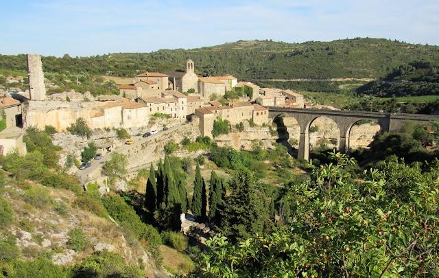 Pueblo del País de los Cátaros. ruta por el País de los Cátaros. Francia