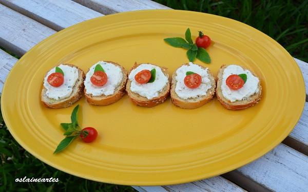 Receita de torrada de pão francês com alho (Imagem: Reprodução/Caramelo e Sal)