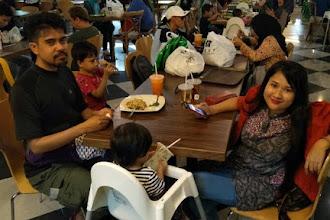 Makan, Shopping dan Tengok Orang Karaoke di Klang Parade Sabtu haritu !