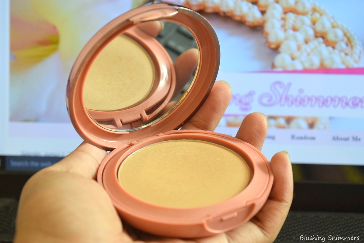 Lakme 9 to 5 Primer+Matte Powder Foundation