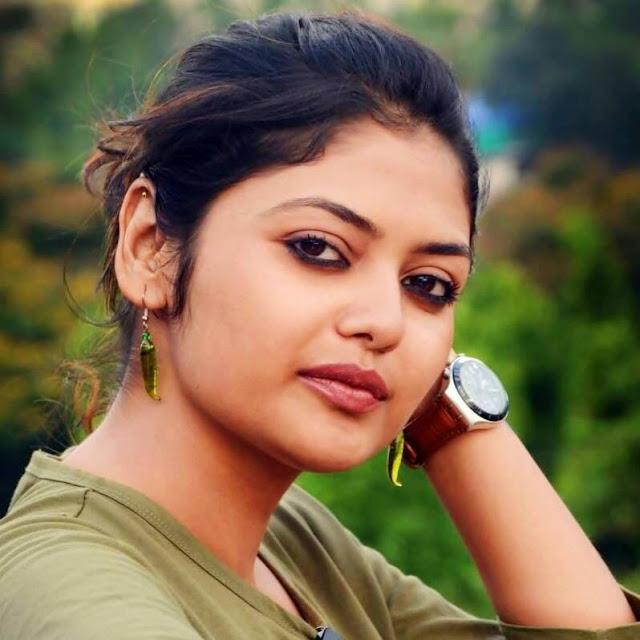 Saayoni Ghosh Pretty
