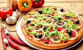 Пицца. Рецепты, советы, начинки, интересности http://prazdnichnymir.ru/