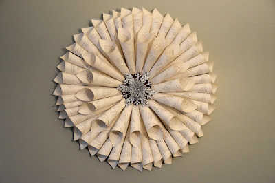 how to make a book page wreath for Christmas
