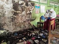 Ruang Kelas Dibakar,  Siswa SDN Widorokandang Pati Terpaksa Belajar di Perpustakaan
