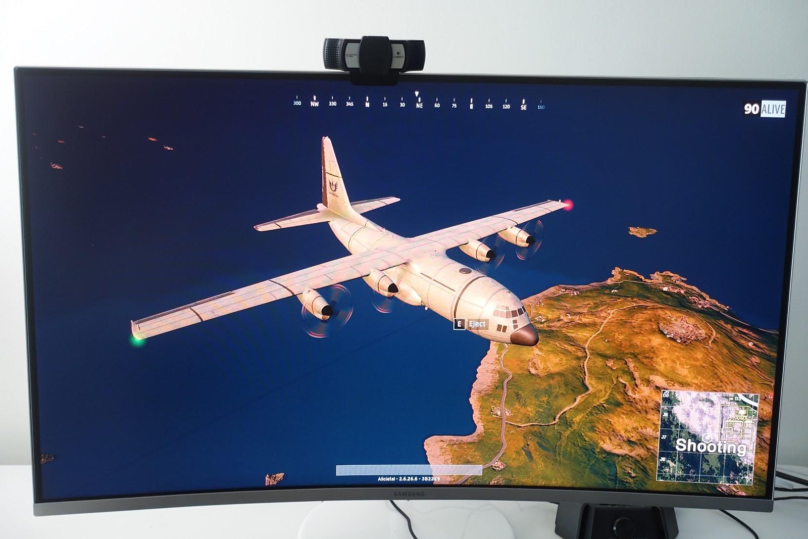 "Alicia Tan: My New Samsung 32"" QLED Curved Gaming Monitor"