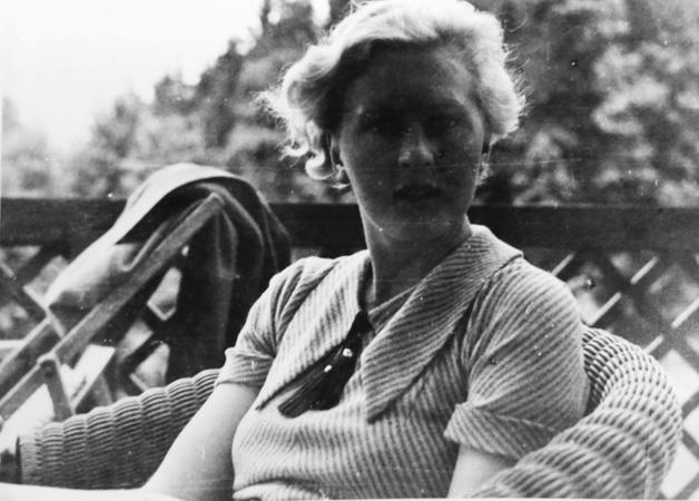 Eva Braun article worldwartwo.filminspector.com