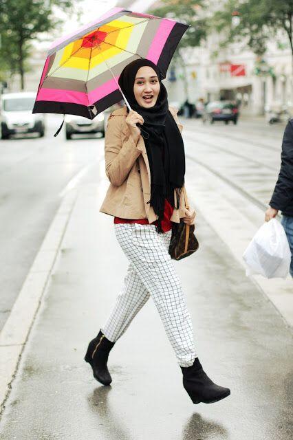 Padu Padan Boots untuk Muslimah ala Dian Pelangi