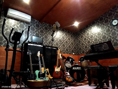 studio rekaman jakarta dan tempat kursus / les / belajar musik, biaya murah dan terbaik, jasa rekaman lagu, jasa rekaman musik, jasa produksi lagu, jasa produksi musik