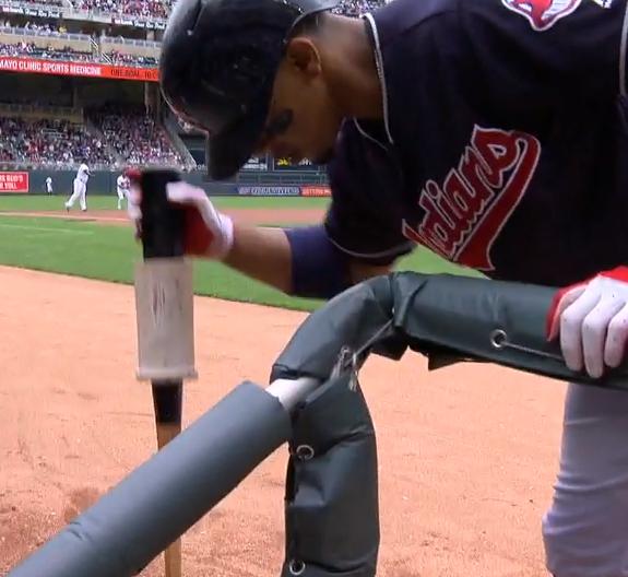 Francesco Lindor struggles with donut on his bat