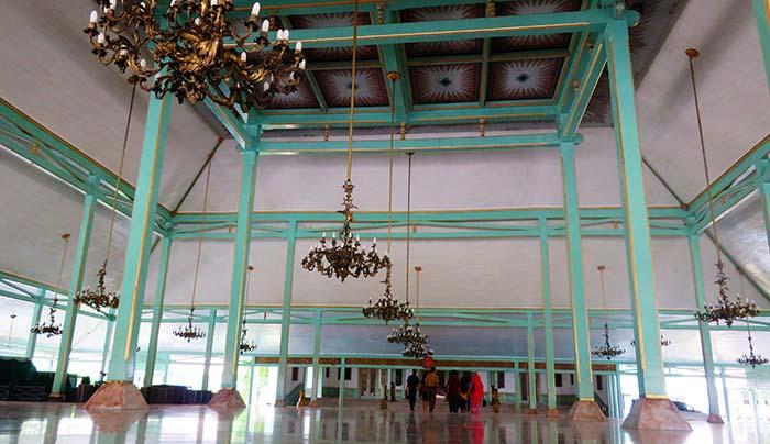 Pendopo Istana Mangkunegaran