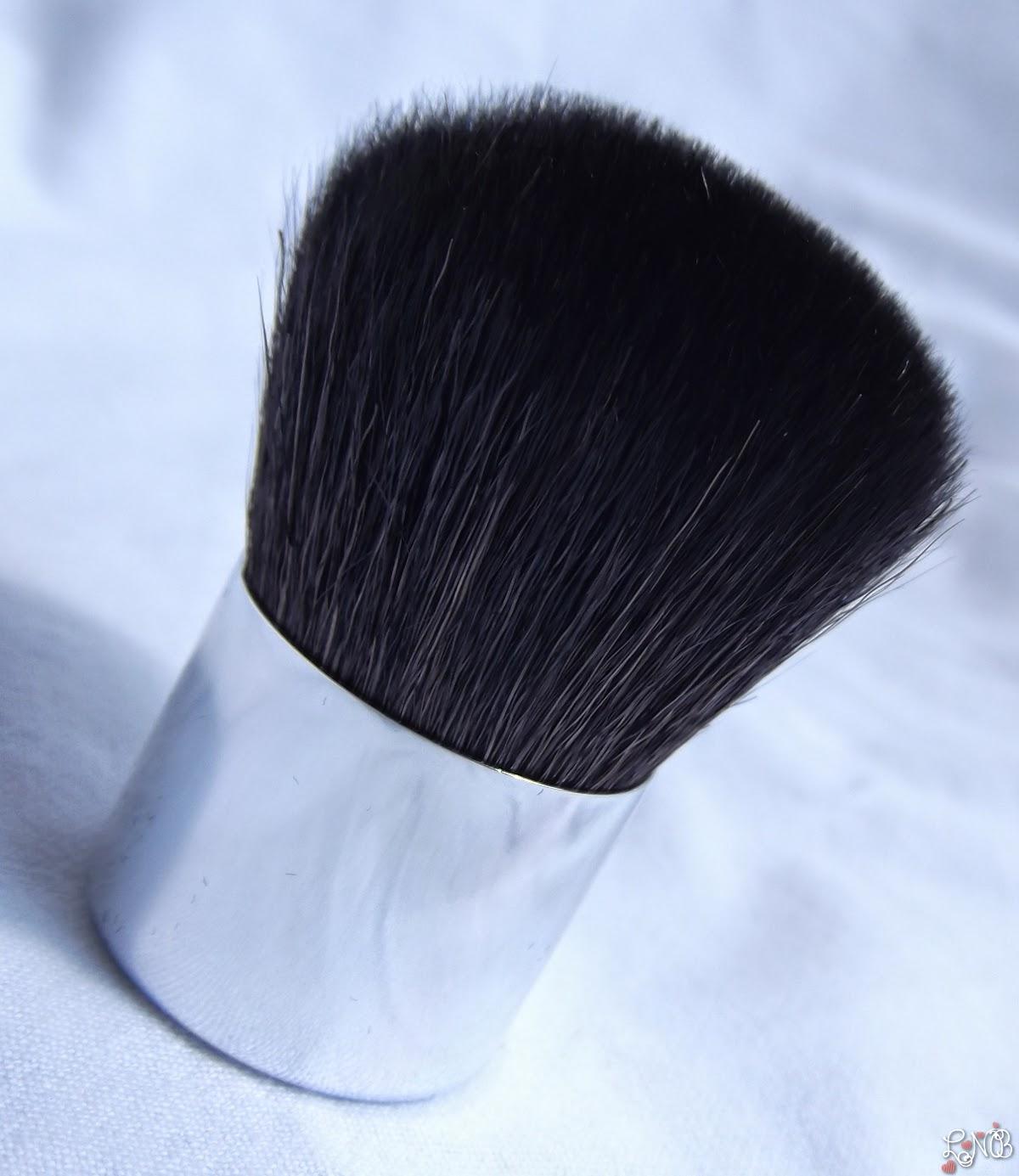 DIOR  Diorskin Nude Tan  Poudre de Soleil Kabuki Brush