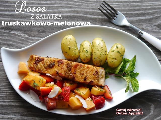 Grillowany łosoś z curry i sałatką truskawkowo - melonową - Czytaj więcej »
