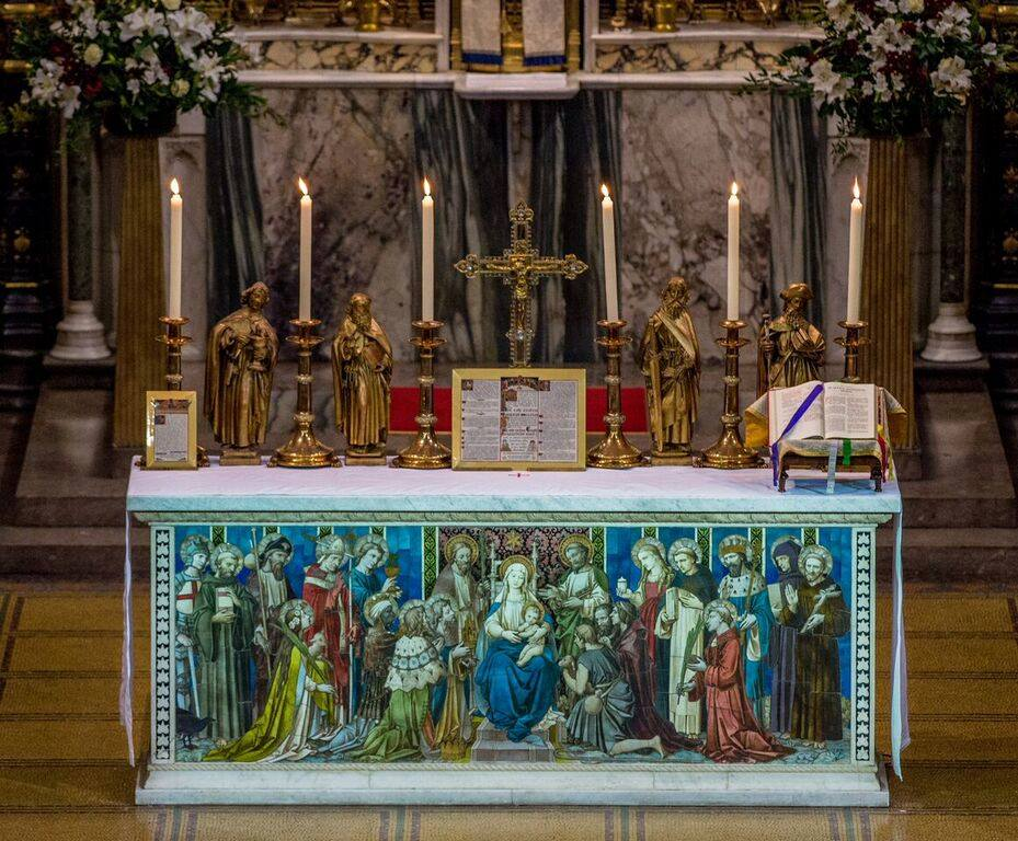A Catholic Life: Solemn High Mass at St James in London