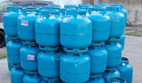 Várias botijas de gás são furtadas de comércio
