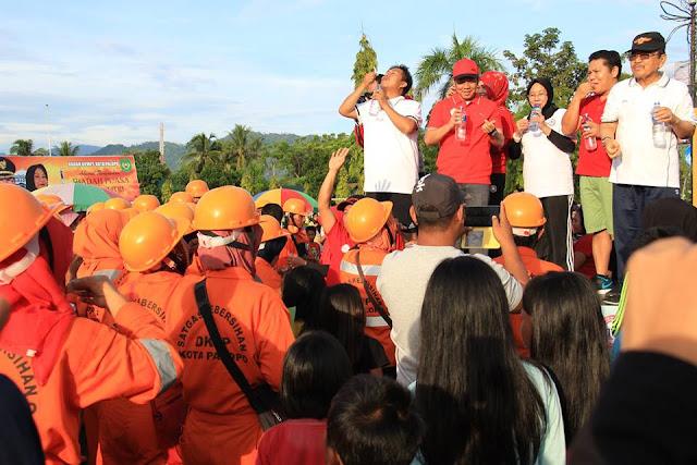 Hari Bakti ke-108, IDI Palopo Bagi-bagi Obat Cacing di Car Free Day