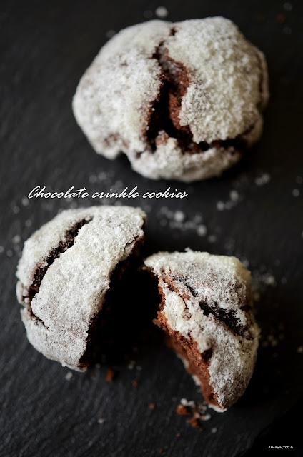 chocolate-crinkle-cookies-ricetta