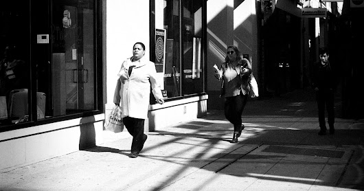 Street Photography in Chicago Using Fomapan Action 400