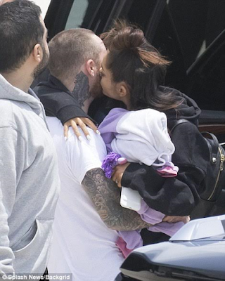 2c - Photos: Ariana Grande seen for the first time in Florida after Manchester bomb attack
