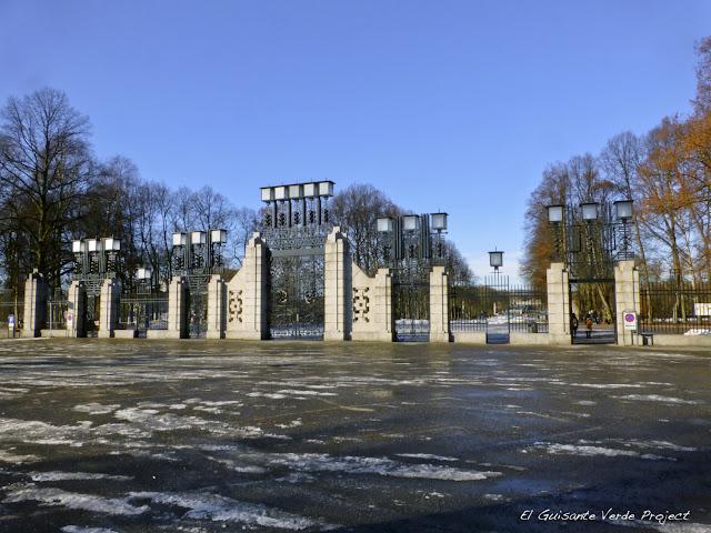Vigeland Park, Entrada Principal - Oslo por El Guisante Verde Project
