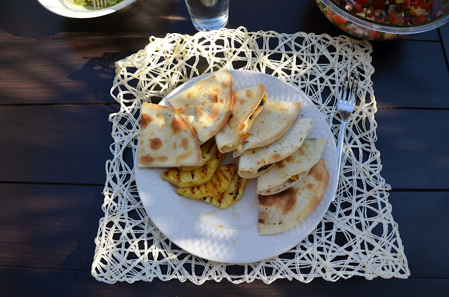 black bean quesadillas and grilled pienapple