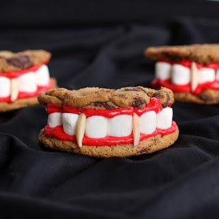 dentoni da dracula con biscotti