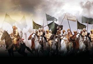 اول معركة هزم فيها المسلمون بعد احد