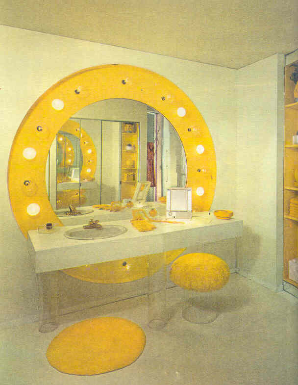 gold country girls: Those 70's Rooms In Orange And Yellow