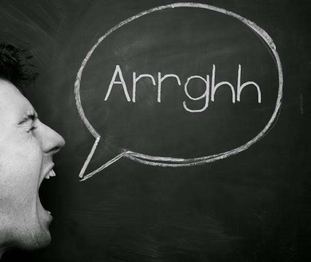 30 Kata Kata Marah + Kesal + Benci Terbaik
