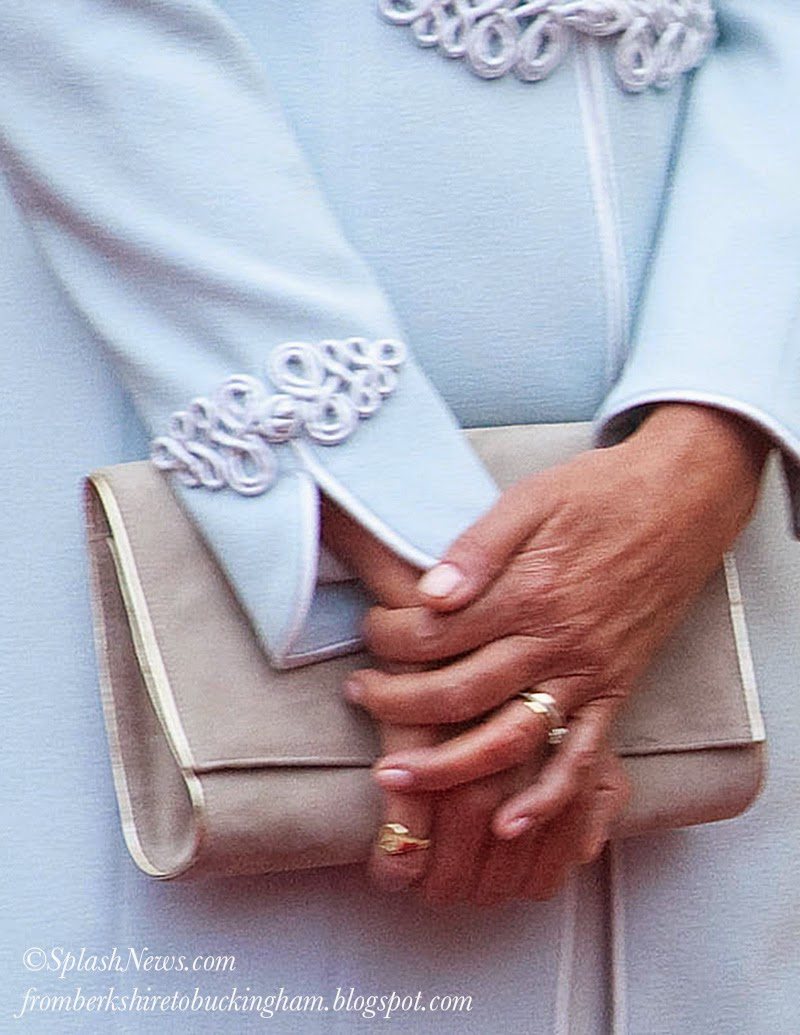 A Little Mystery Here Long Before Kate Married William Carole Wore Ring On Her Pinkie Finger But She It The Left