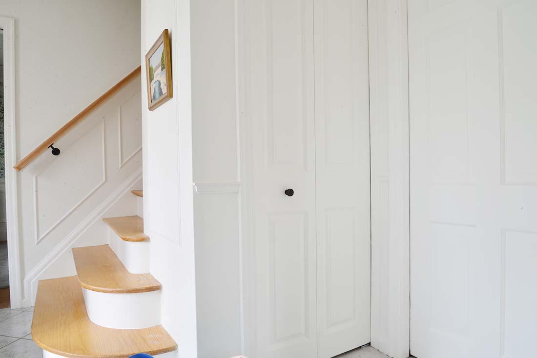 bifold closet doors, front hall closet organization, small closet ideas, entryway closet, closet storage